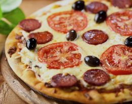 P3. Salami Pizza
